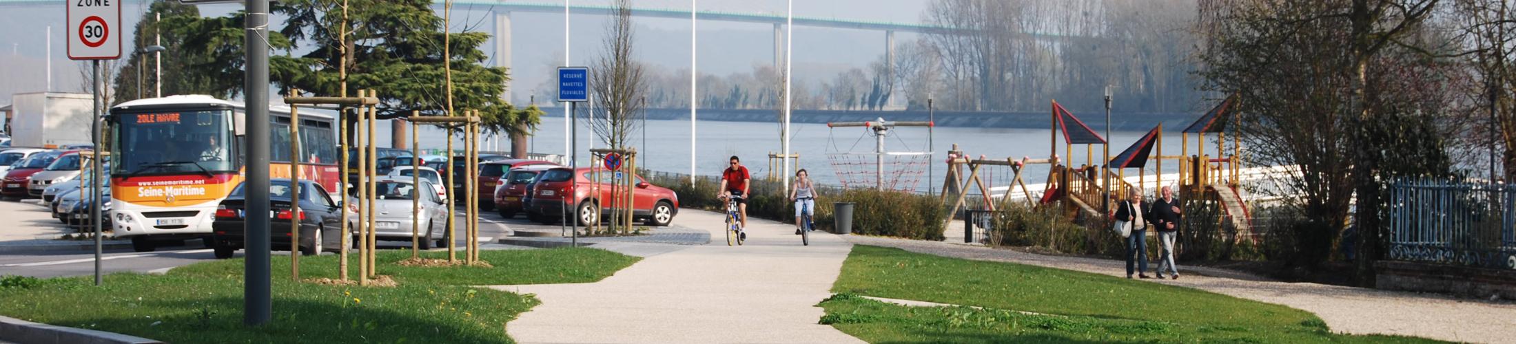 Déplacements En voiture, en bus ou à vélo, Rives-en-Seine est facile d'accès et adaptée à tous les modes de transport. A l'intérieur de la 1
