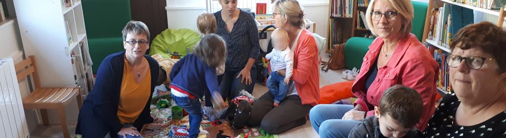 Relais Assistants Maternels (R.A.M.) Service gratuit, le Relais Assistants Maternels s'adresse aux parents, aux assistants maternels, aux professionnels de 1